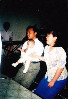 Ardito Kenanya Hudson Widiono saat diserahkan pada Tuhan, 1999