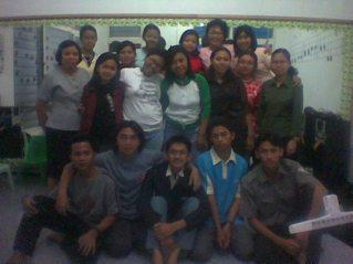 Bersama Gracia Voice kursus musik, memberi pelatihan vokal gratis untuk gereja-gereja se Magelang