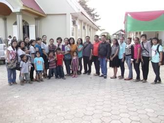 Berpose bersama seluruh peserta Pesta Ayat Mas Seru, yang belum keburu pulang tentunya
