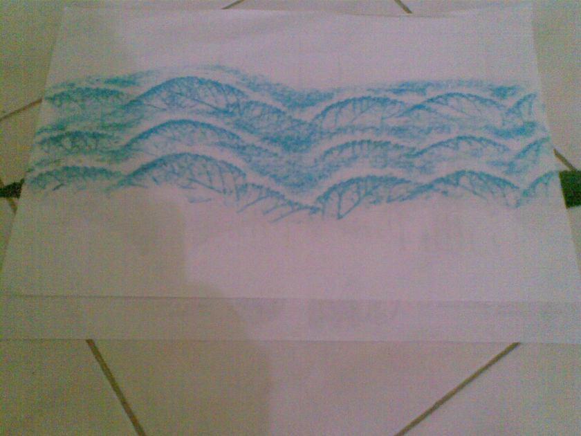 Buat gelombang ke tiga dgn menaikkan kertas lembar atas. Kini anda telah selesai membuat ombak besar.