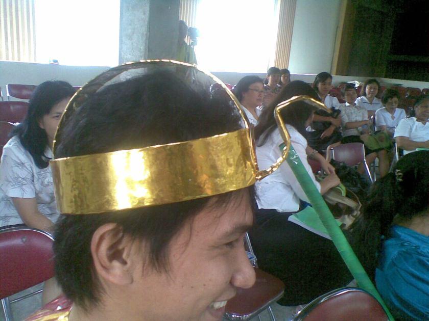 Topi Firaun tampak dekat