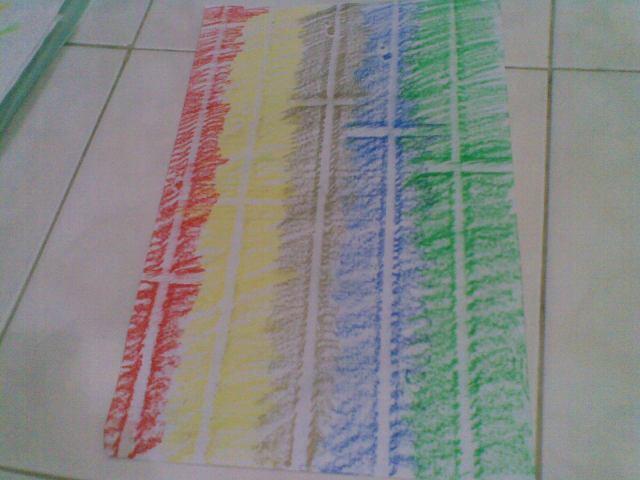 Salib memanjang dengan berbagai ketinggian dan warna
