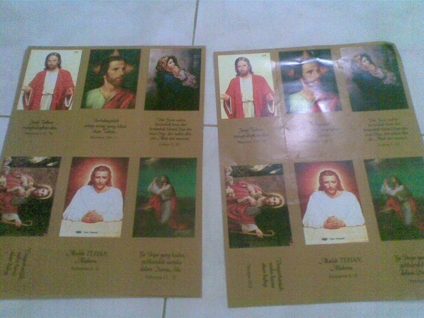 Beli kartu sobek yg sama dua lembar, banyak tersedia di toko buku kristen.