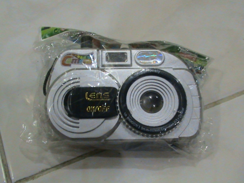kamera mainan