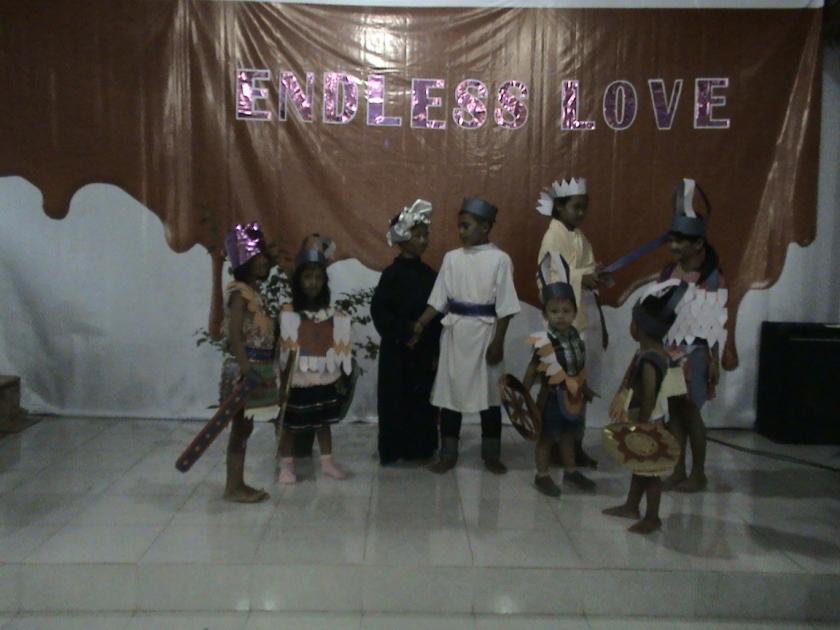 Kelompok 5 di bawah asuhan Ibu Trees dengan thema Yesus Ditangkap
