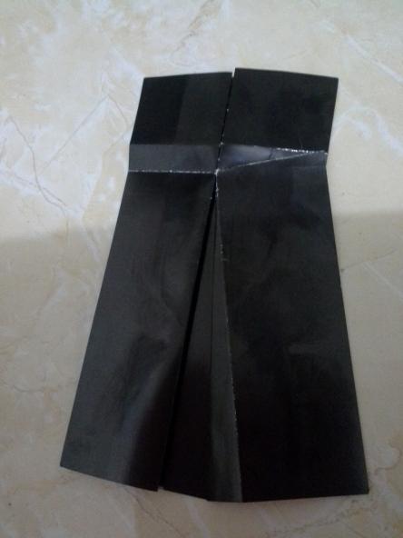 16. hasilnya seperti ini, lihat lipatan sampai tindis ke rok bawah