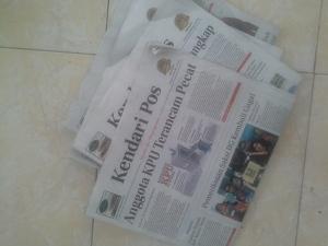 Siapkan koran bekas untuk alas anak-anak bekerja, agar aktivitas nanti tidak mengotori lantai/ karpet gereja.