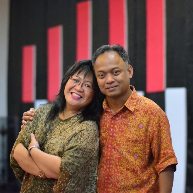Bersama suami saya. Ari Prasetyo Widiono, S.E.
